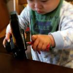 幼児が夢中になるイタズラは、研究課題のようなもの