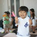 1歳の赤ちゃんも喜ぶ!チラシで作ったおもちゃ