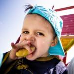 赤ちゃんの遊び食べをやめさせる3つの技