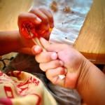 幼児の口がとんがるほど虜になる遊びが集中力を育む